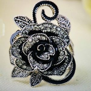 Jewelry - Trendy Retro Rose Black Ring